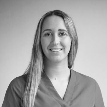 Elisabet Villaronga, Clínica Dental Oliver Coll