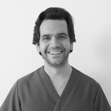 Luis Bordonaba, Clínica Dental Oliver Coll